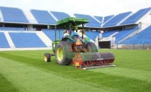 regeneracja-trawy-na-boiskach